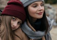 Öt önvédelmi tanács a tinilányoknak és szüleiknek a sötétedés utáni közlekedésről