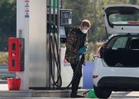 Rekord méretű esés a benzin és a gázolaj árában