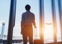 Itt a lista, hogy mely országokból jöhetnek haza korlátozás nélkül az üzletemberek