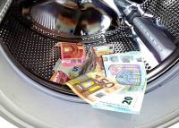 A bankok buktatják le a legtöbb pénzmosót