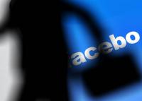 Drámai számok a Facebookon és az Instagramon elérhető tiltott tartalmakról