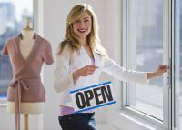 Bezárniuk nem kell, de vásárlót nem fogadhatnak – Így is kell a kereskedőknek bérleti díjat fizetniük?