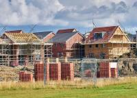 Úgyis kipukkad a lakáslufi! - De előtte még brutálisabban nőnek az árak