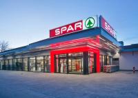 Egy vidéki hipermarketet és három szupermarketet modernizált a SPAR mintegy 3,3 milliárd forintból